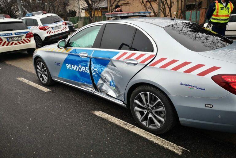 Balesetet szenvedett Orbán Viktor konvojának felvezető autója